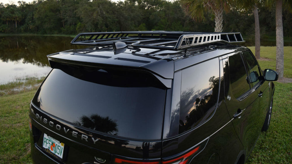 Land-Rover-Discovery-5-off-road-roof-rack-back-Voyager-Offroad.JPG