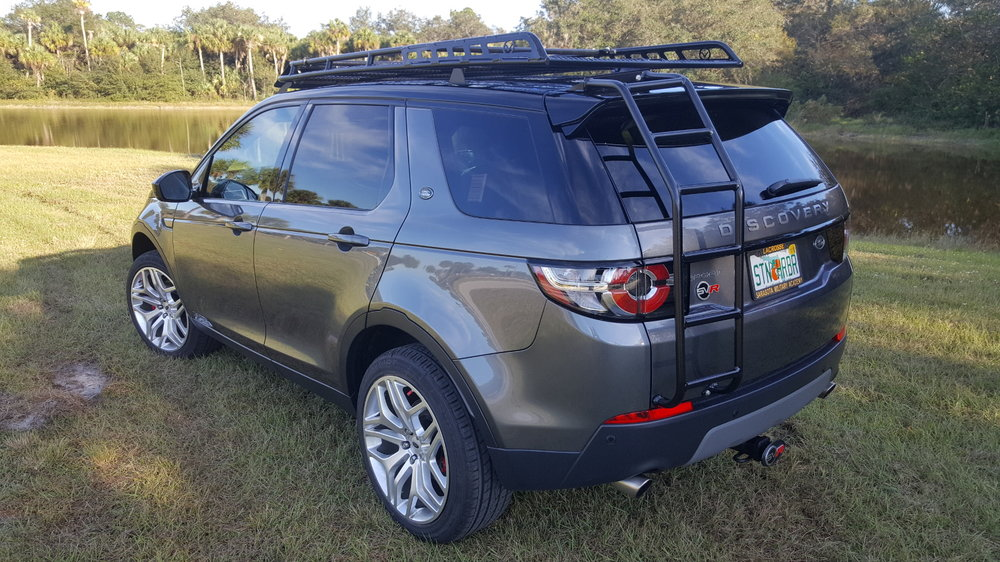 Land-Rover-Discovery-Sport-off-road-roof-rack-drivers-rear-Voyager-Offroad.jpg