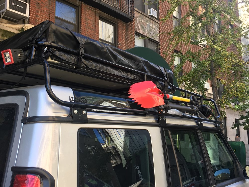 LAND ROVER - ACCESSORIES - SHOVEL - AXE - MOUNTS - ROOF TOP TENT.jpeg