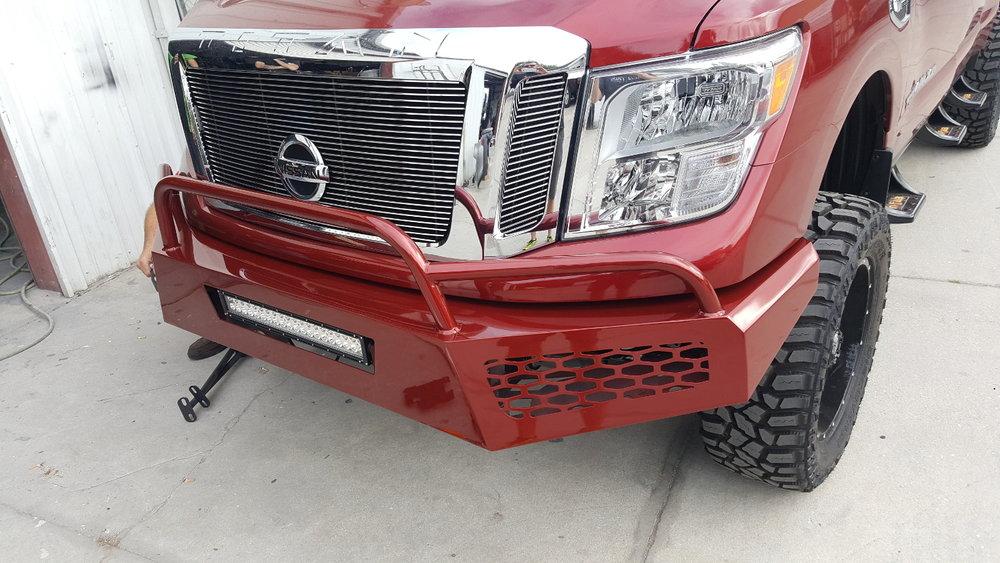 Nissan-Titan-Front-Bumper-Close-Up.jpg