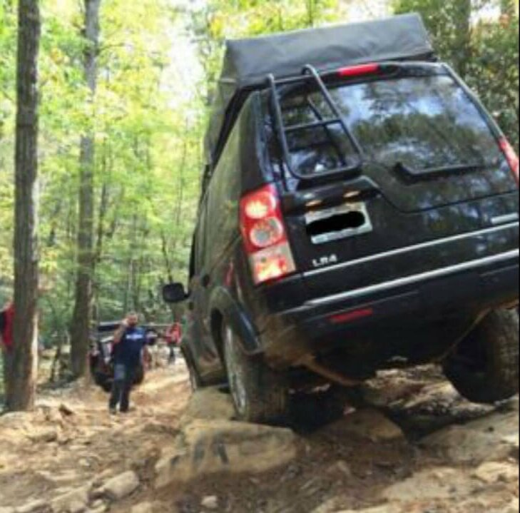 Land-Rover-LR3-rock-sliders-rock-crawling-off-road-Voyager-Offroad.jpg