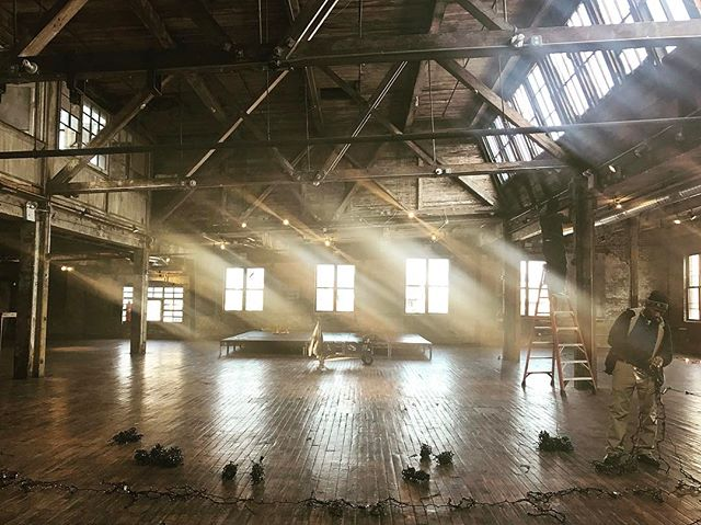 #onset #production #interior #studio #chasinglight