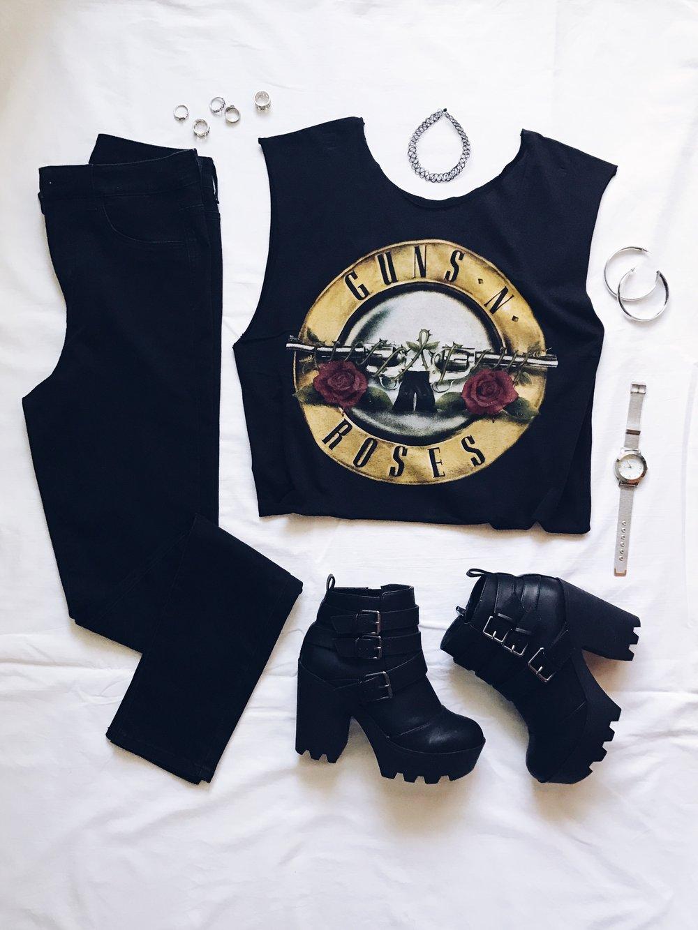 Тениска на Guns n Roses: Hottopic. Преправена и изрязана от мен :P  Черни дънки: H&M  Боти: Tally Weijl  Choker: Dollskill  Обеци: ASOS  Пръстени: H&M, Forever21, Orsay  Часовници: Marc Jacobs