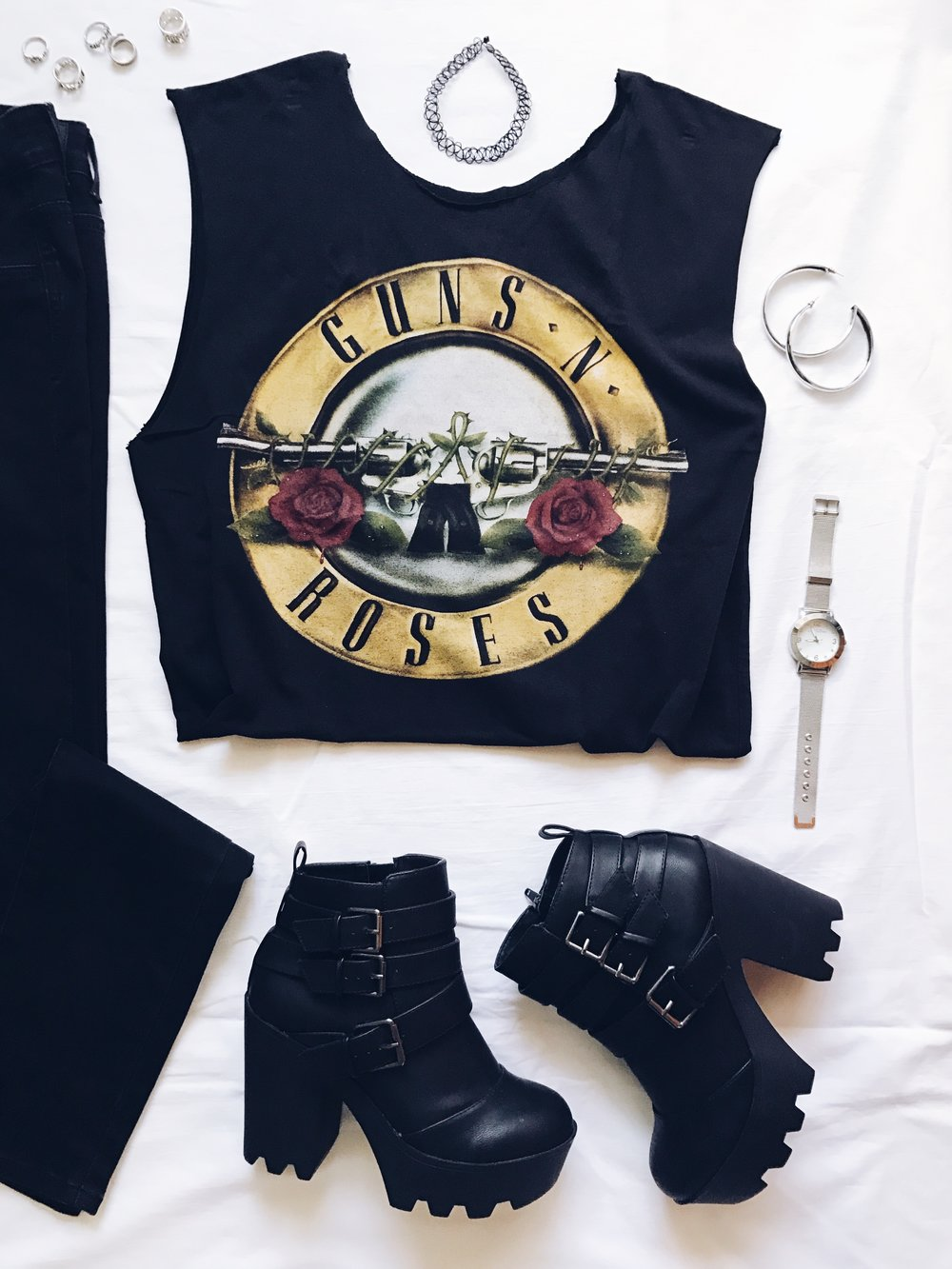 style wear band tee tshirt shirt outfit outfits ootd shorts guns n roses rock jewelry rings earrings watch choker jeans shoes boots flatlay flatlays