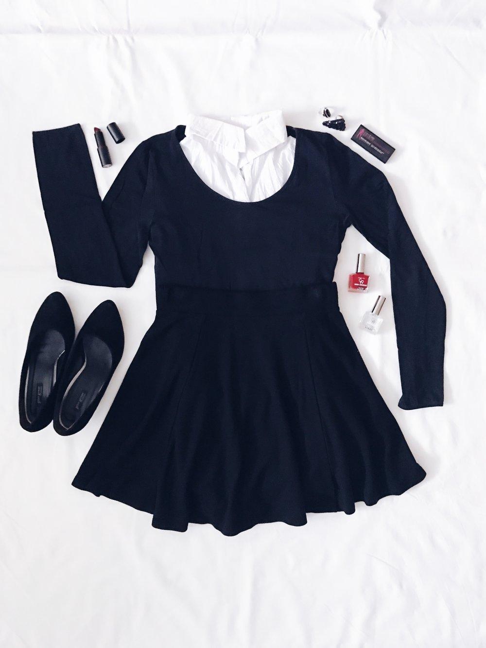 Пола и блуза: H&M  Лакове за нокти: Golden Rose  Червило: Essence  Сенки за очи: Bourjois