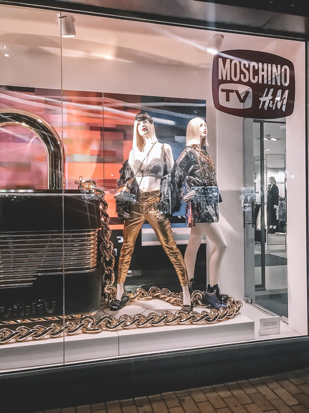 hm tv moschino new designer collection fashion style  fashionblog fashionblogger мода блогър shop shopping