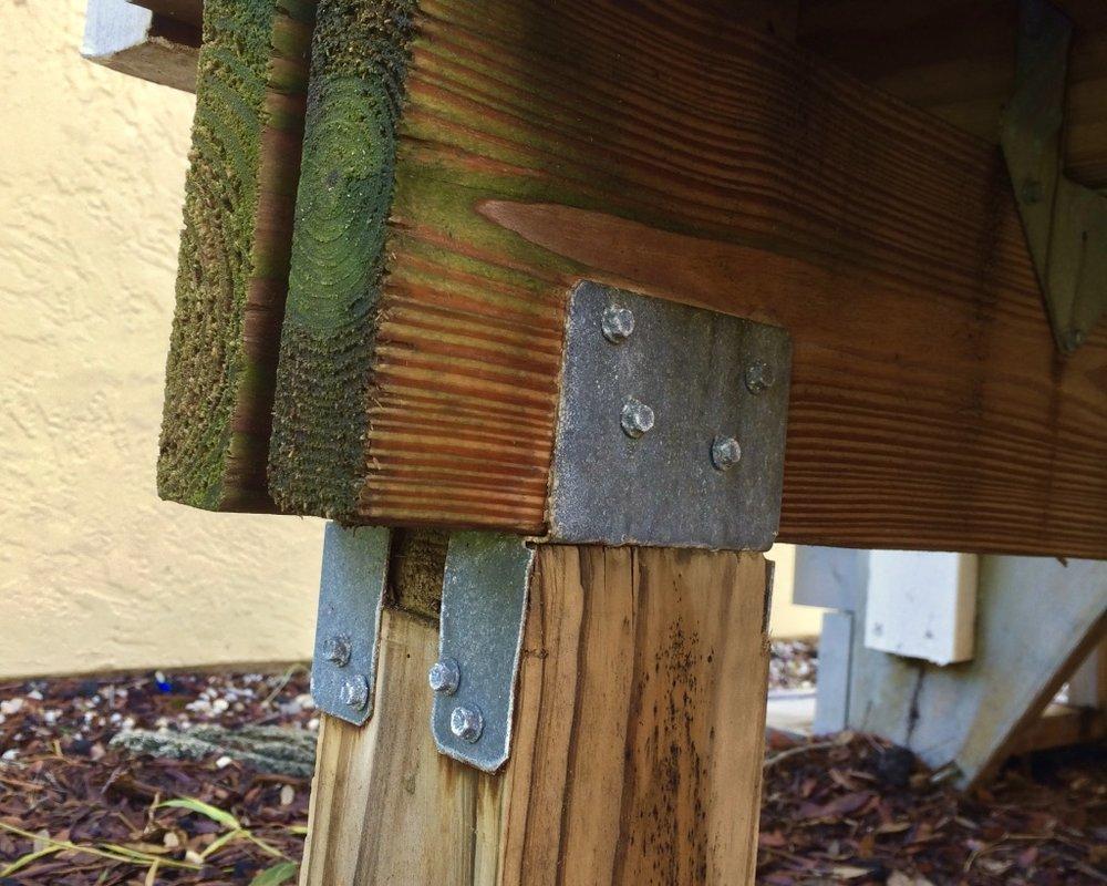 Treehouse freestanding deck on beam