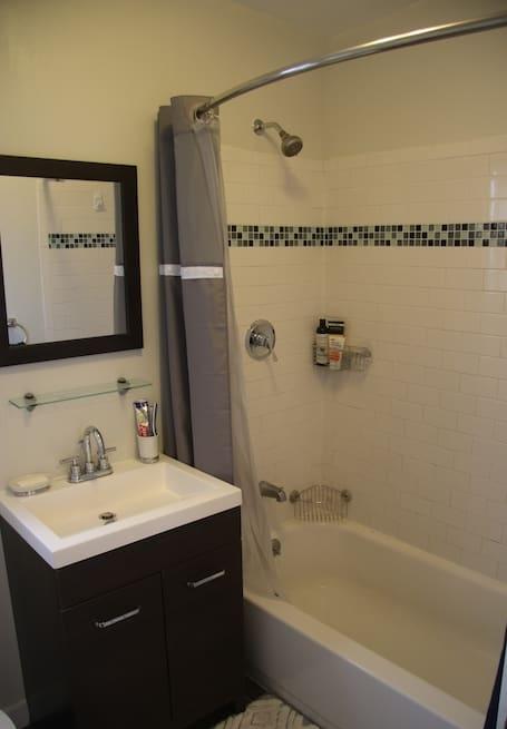 3 Bath 2.jpg