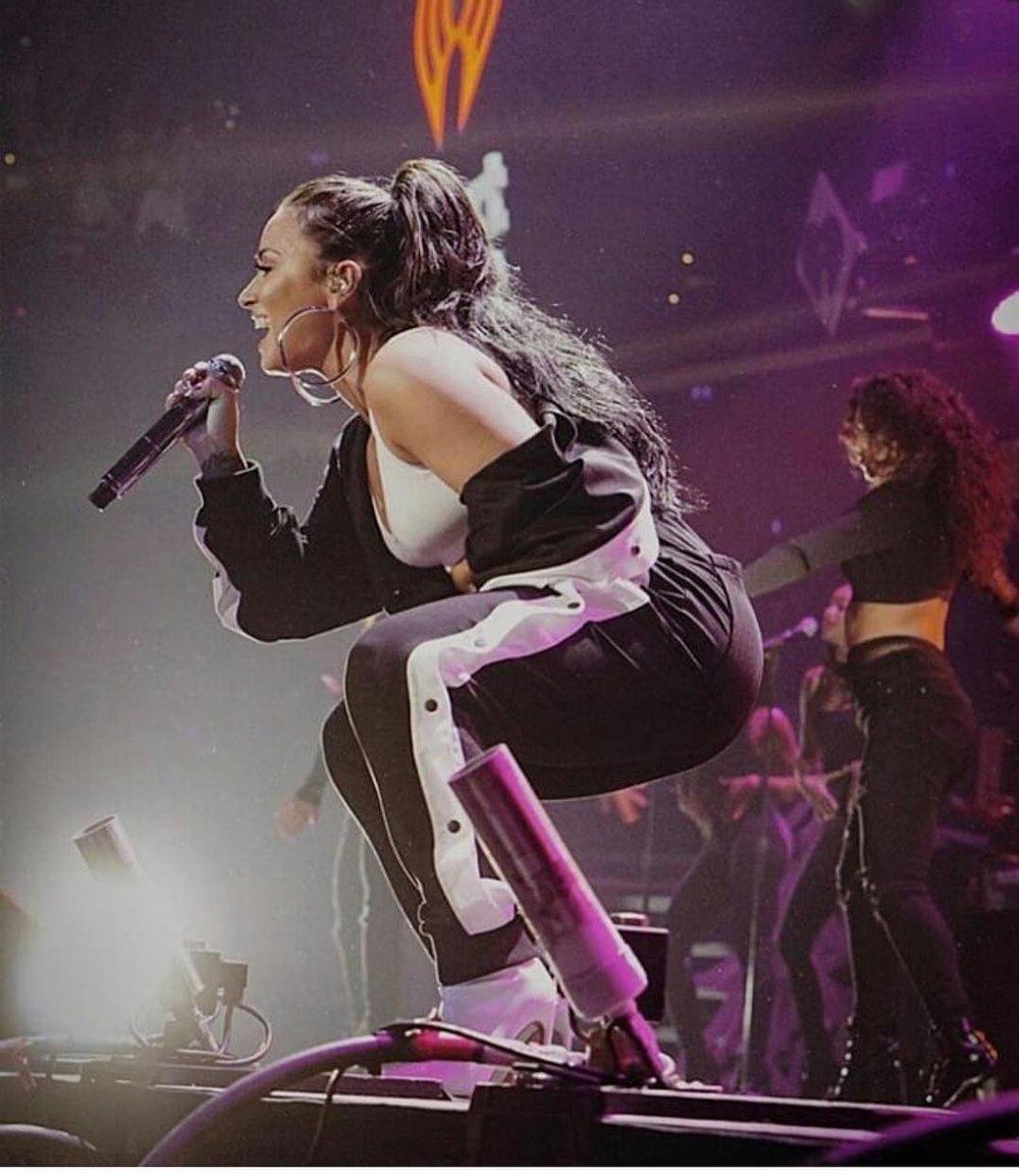 Demi Lovato in Marna Ro