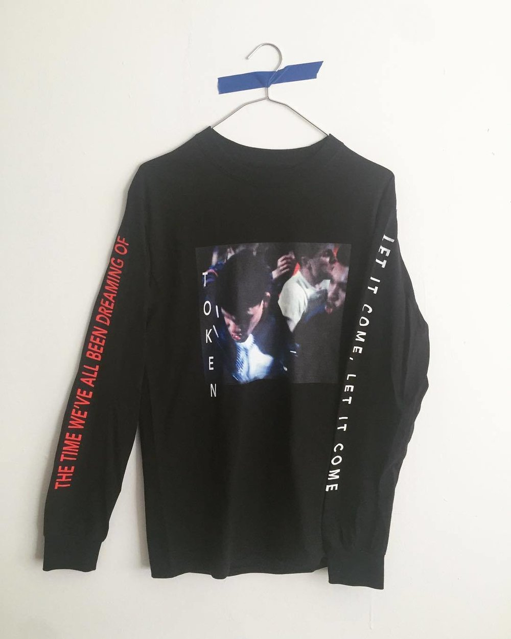 "'Decline' longsleeve part of FW'17 issuing 9/1 💅 ""let it come, let it come the time we've all been dreaming of"" - A. Rimbaud http://ift.tt/2gg5sAN"