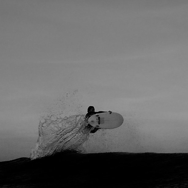 Maxime @lamechev lofting in France 🍒 #tokensurfboards
