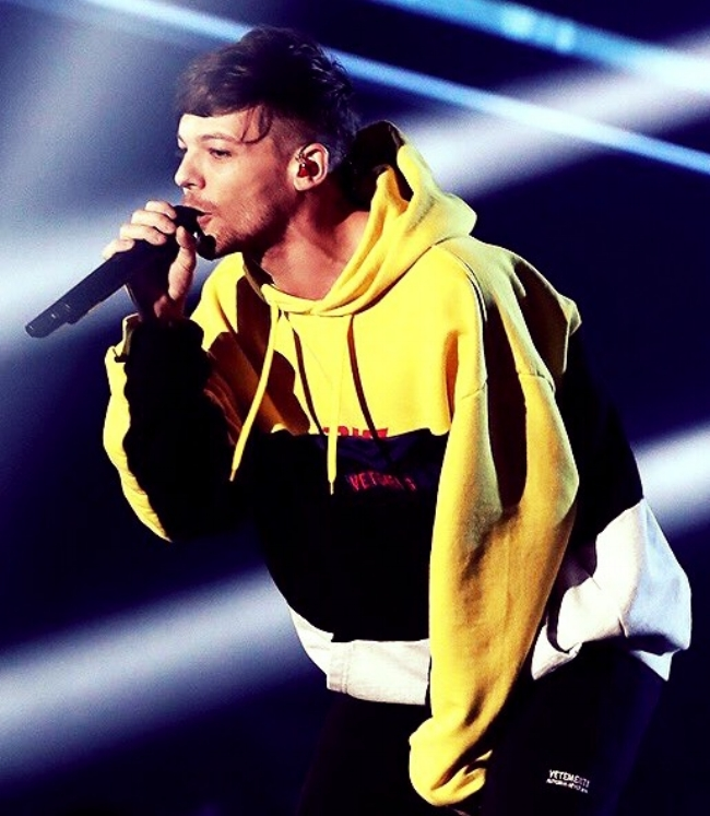 Louis Tomlinson | X Factor |  December 2 2017