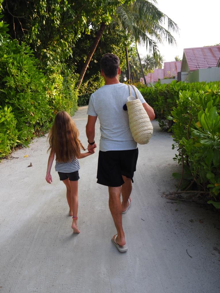 Walking to breakfast along the sandy trails...