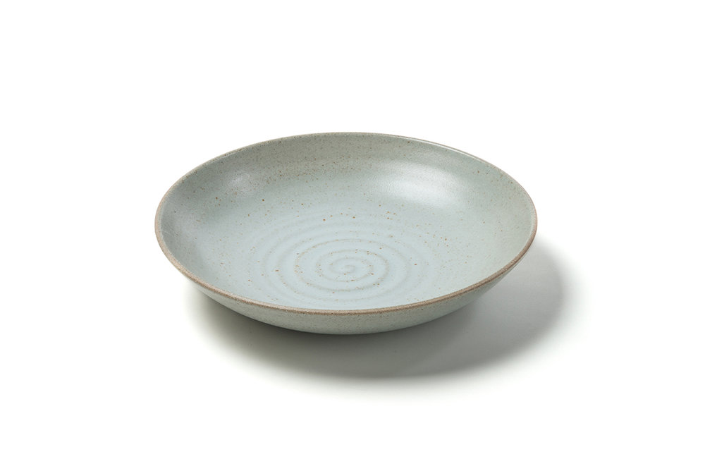 standard shallow serving bowl