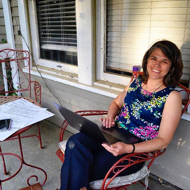 Enjoying some front porch UXing with my #1 collaborator @mathiasoshellington ✌️