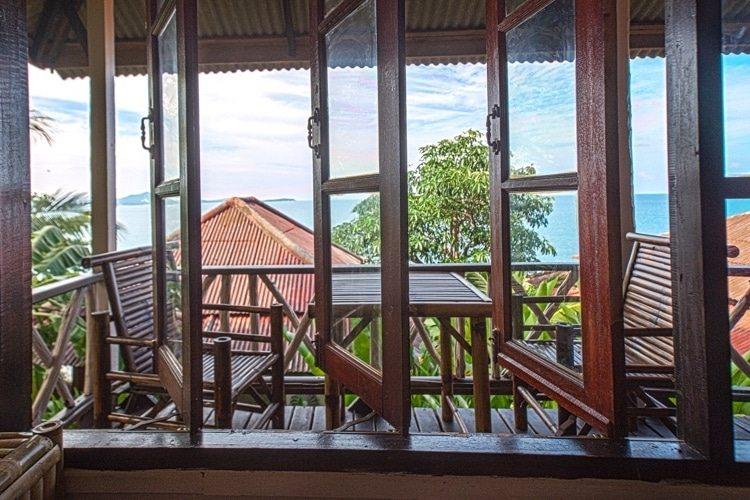 Balcony_01.jpg