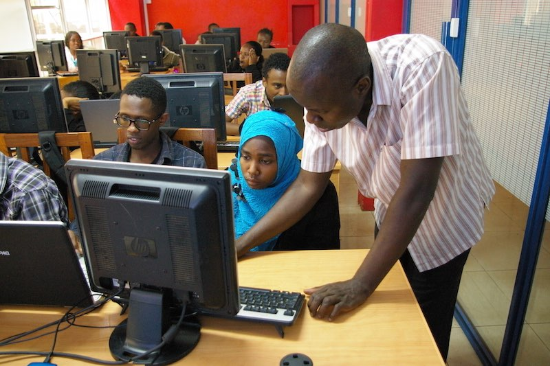 e-Mobilis-lab-training-Kenya-African-tech-hubs-codeinnovation.com-code-innovation.jpg