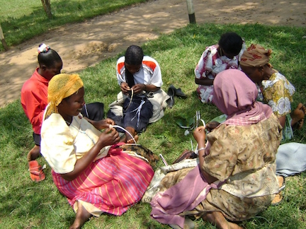 Ugandan women in a cooperative (www.codeinnovation.com)