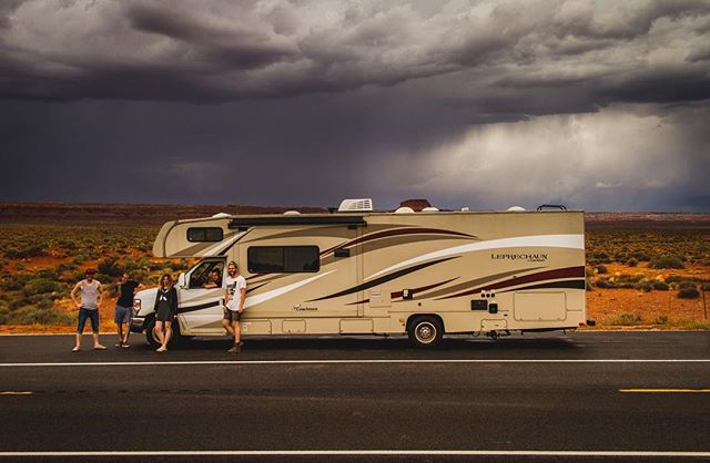 Last September we drove this massive, over 10m long, RV all across the USA. In 3 1/2 weeks we drove over 6500km (4000miles) through 17 Staats from New York till Los Angeles. Looking back it's still kinda hard to grasp all the amazing places we've seen and experiences we have made. Thank you @leonardcarow @haigenkidesu @philli_vanilly and Nicole for being the best company I could have asked for!  #roadtrip #usa #rv #camping #photography #arizona