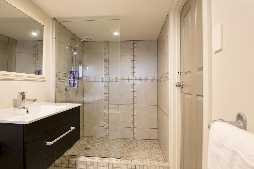 Stables Shower 2Q0A8121.jpg