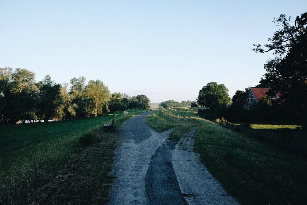 Elberadweg_03.jpg