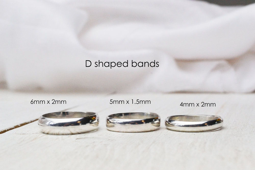 Some D shaped bands in different sizes.