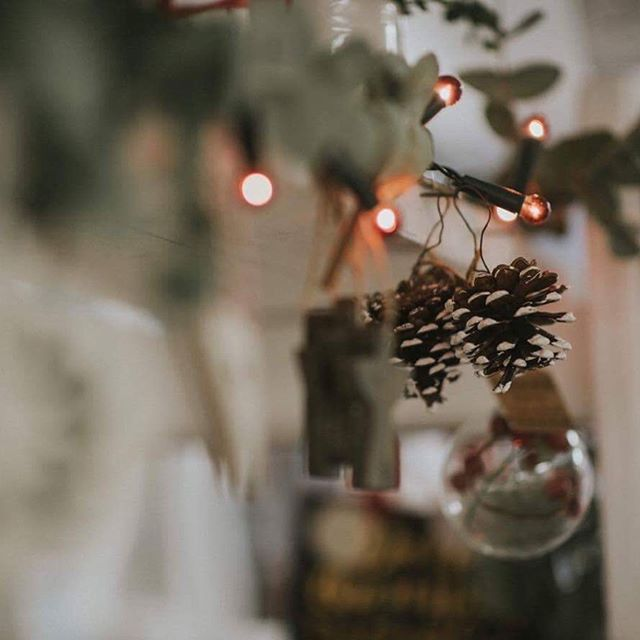 We have created a quick Small Business Gift Guide for last minute gifts and items for the big day. Head over to shopthewillowtree.com/blog/  Photo by @mayabodzanphotography