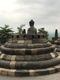 舍利塔内的佛像
