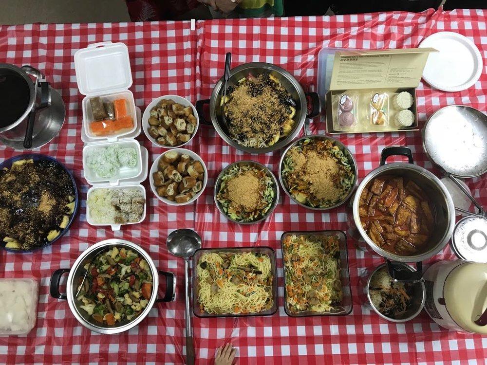 一道道同学们亲手烹饪的美味食物