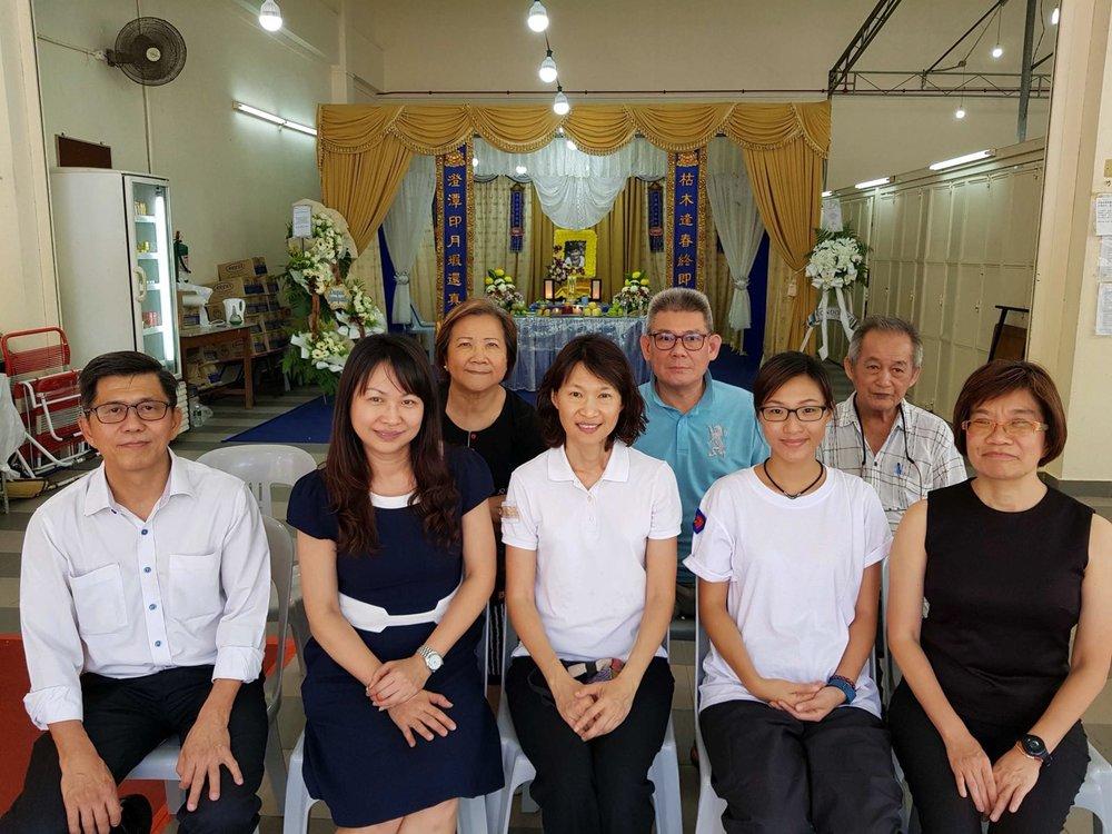 芽笼区正副区长和双语班的负责人关怀尤净芳师姐和女儿(就读学青班)