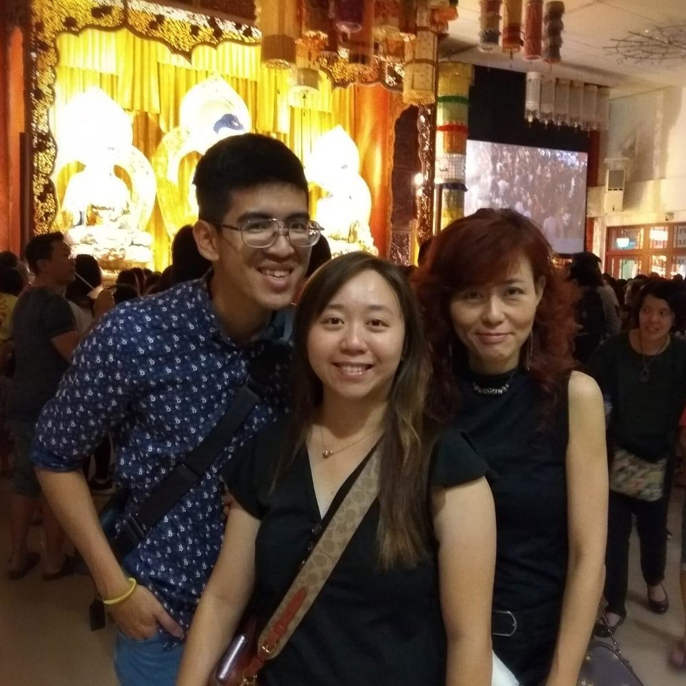 福友洪慧娥女士,得知寺院有跨年法会,便帶家人同来参加。她觉得这是一场别开生面、活泼、充满动力和正能量的法会,和以往她所参加过的完全不同。她认为以新颖、迎合年轻一代的方式,才能吸引更多年轻人认识佛法。