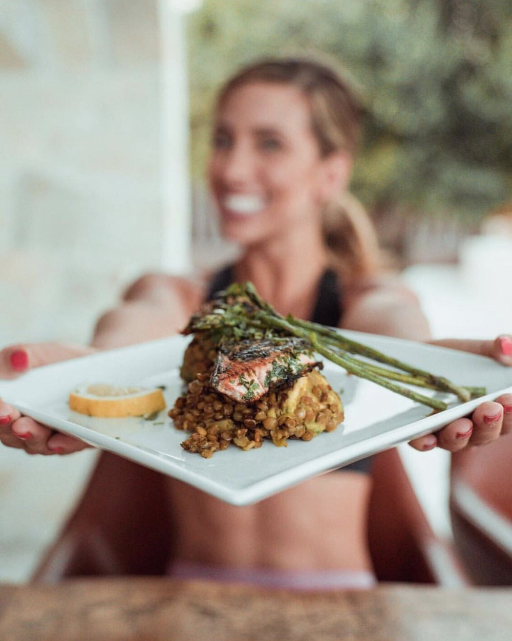 -  Ingredients: Green lentils 150gSalmon fillets x2Asparagus approx 8-10 stemsParsleyCorianderChilli peppersLemon x1Coconut oilAvocado x1Green & Red pesto x1 tsp of each