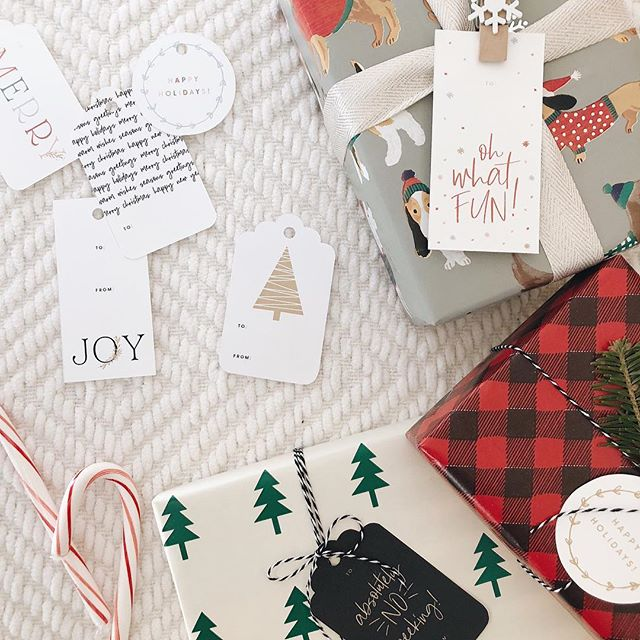 Doing a little wrapping this weekend?? I gotcha covered! Head on over to the blog and download some FREE printable gift tags!! ✂️🎁🎄✨ #unionshoreholiday . . . #thatsdarling #persuepretty #abmathome #wemakecollective #bsggrams #craftbuzz #lovelysquares #creativelifehappylife #abmholidayspirit #livecolorfully #bhghome #craftychristmas #diychristmas #merryandbright #hollyjollychristmas #abmholidayspirit #wemakecollective