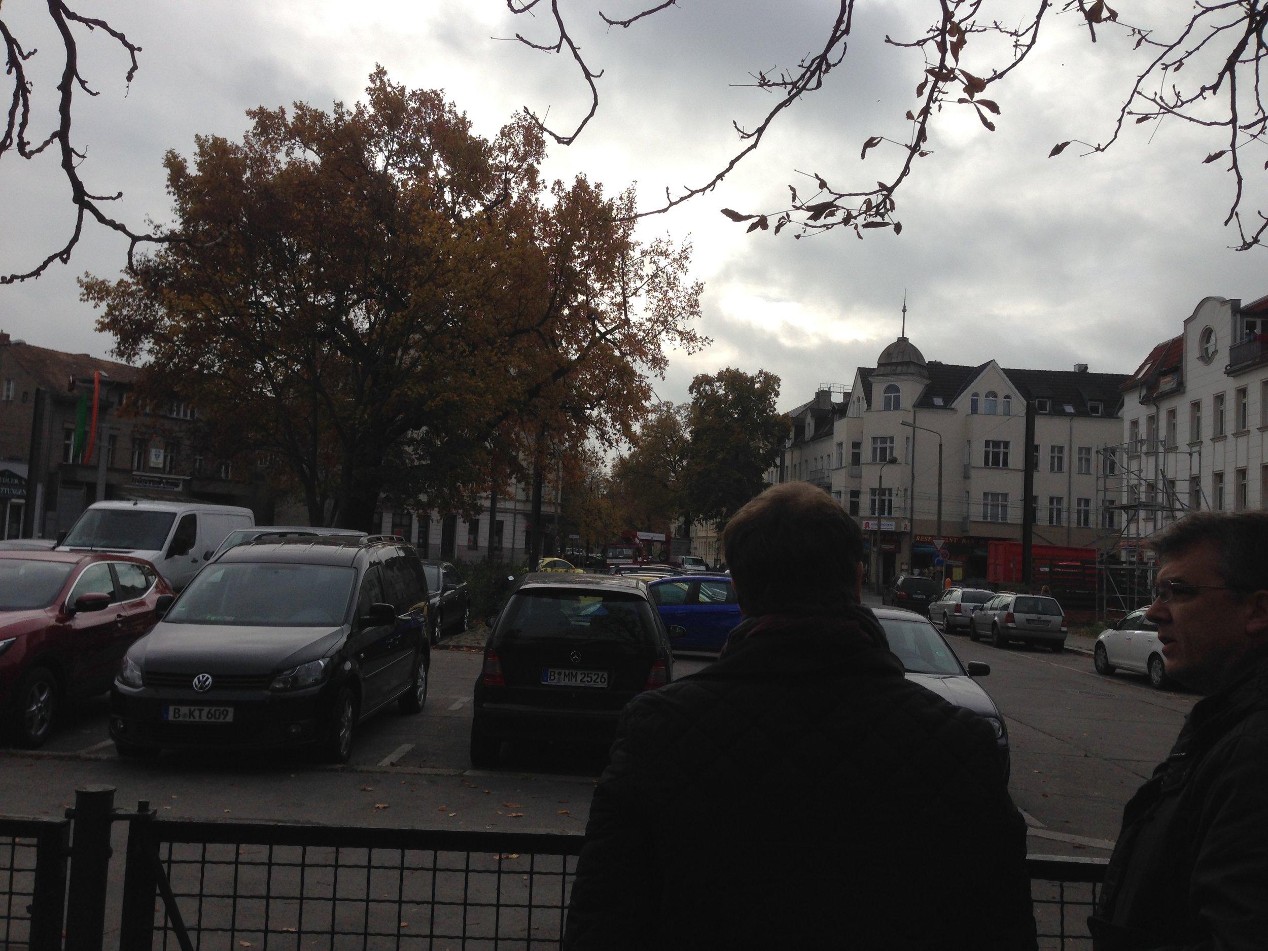 141106_Ossietzkyplatz Pfarrer Minkner 1