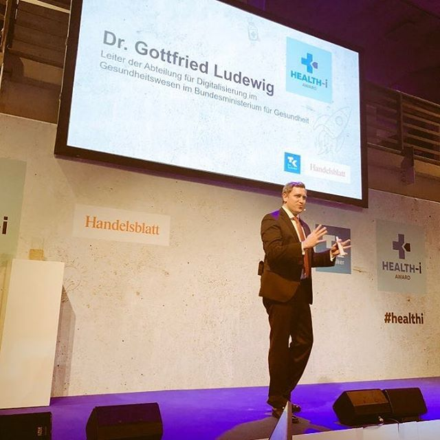 Why #digitalhealth? Because it's a huge opportunity to cure so far untreatable diseases, and to improve the health of whole population. Grateful to open the #healthi awards tonight and present our beliefs and goals. #technikerkrankenkasse #handelsblatt #movingforward