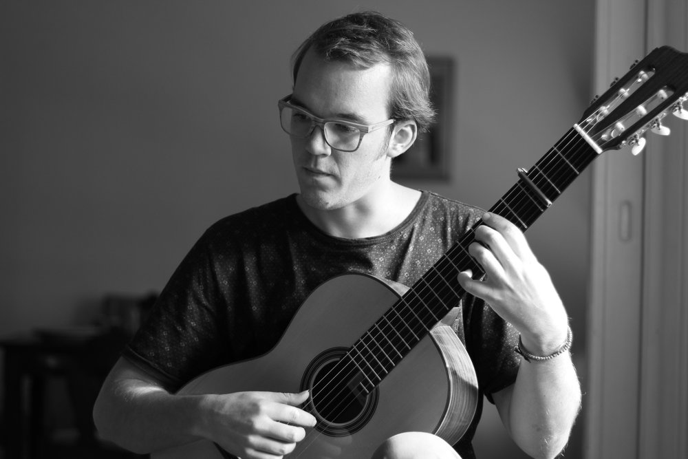 Martin Van Hees, classical guitar.