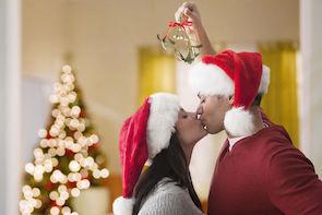 mistletoe kiss - thepsychpractice.jpg