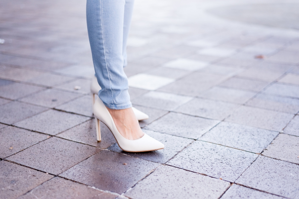 White Pumps to Die For <3