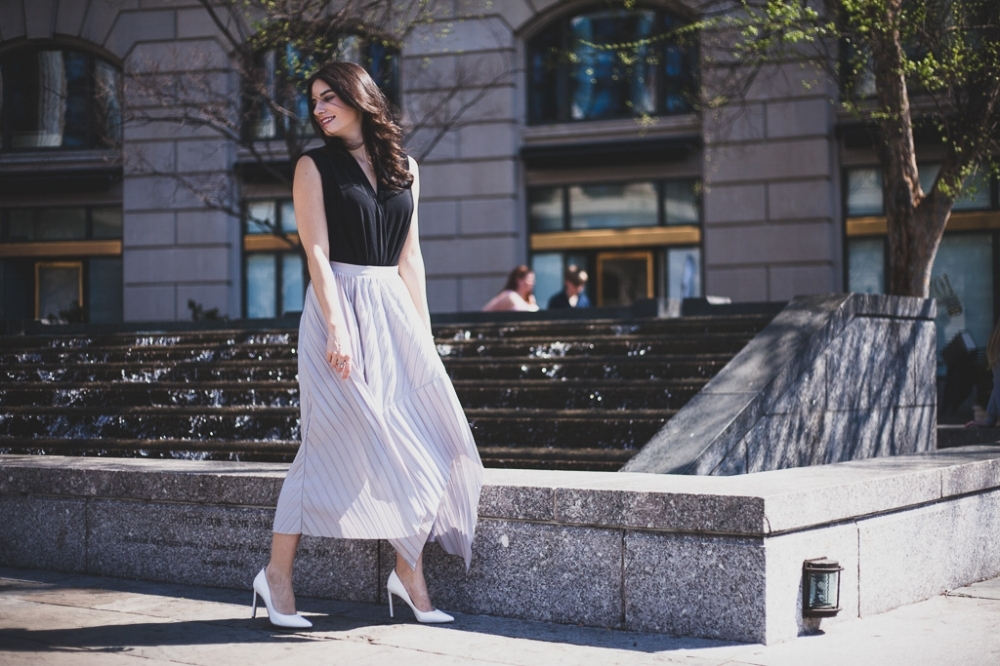 Pretty pleated skirt outfit
