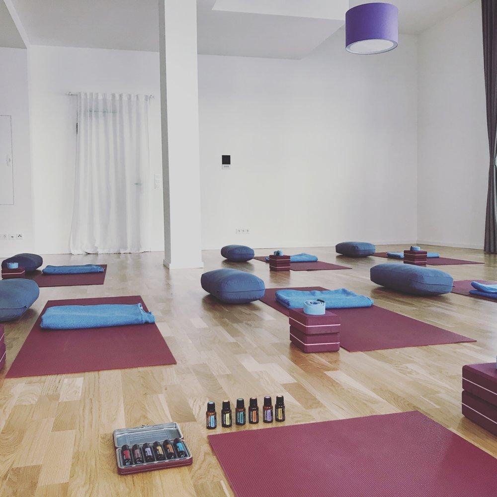 Yin Yoga & Essential Oils Mai 2018 Enso.JPG