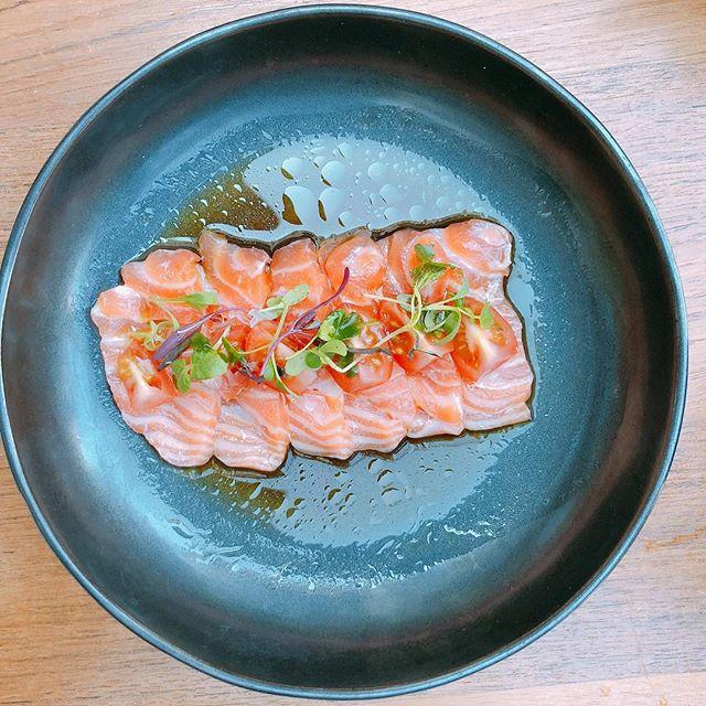 Blue Ribbon Sushi // Salmon Carpaccio 🍣 with Cherry Tomato 🍅 , Truffle Oil, finished with Ponzu