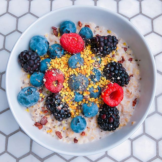 Chef Cam // Healthy Morning Breakfast ~ Oatmeal with berries, hemp seeds, chia seeds, cacao nibs, and bee pollen