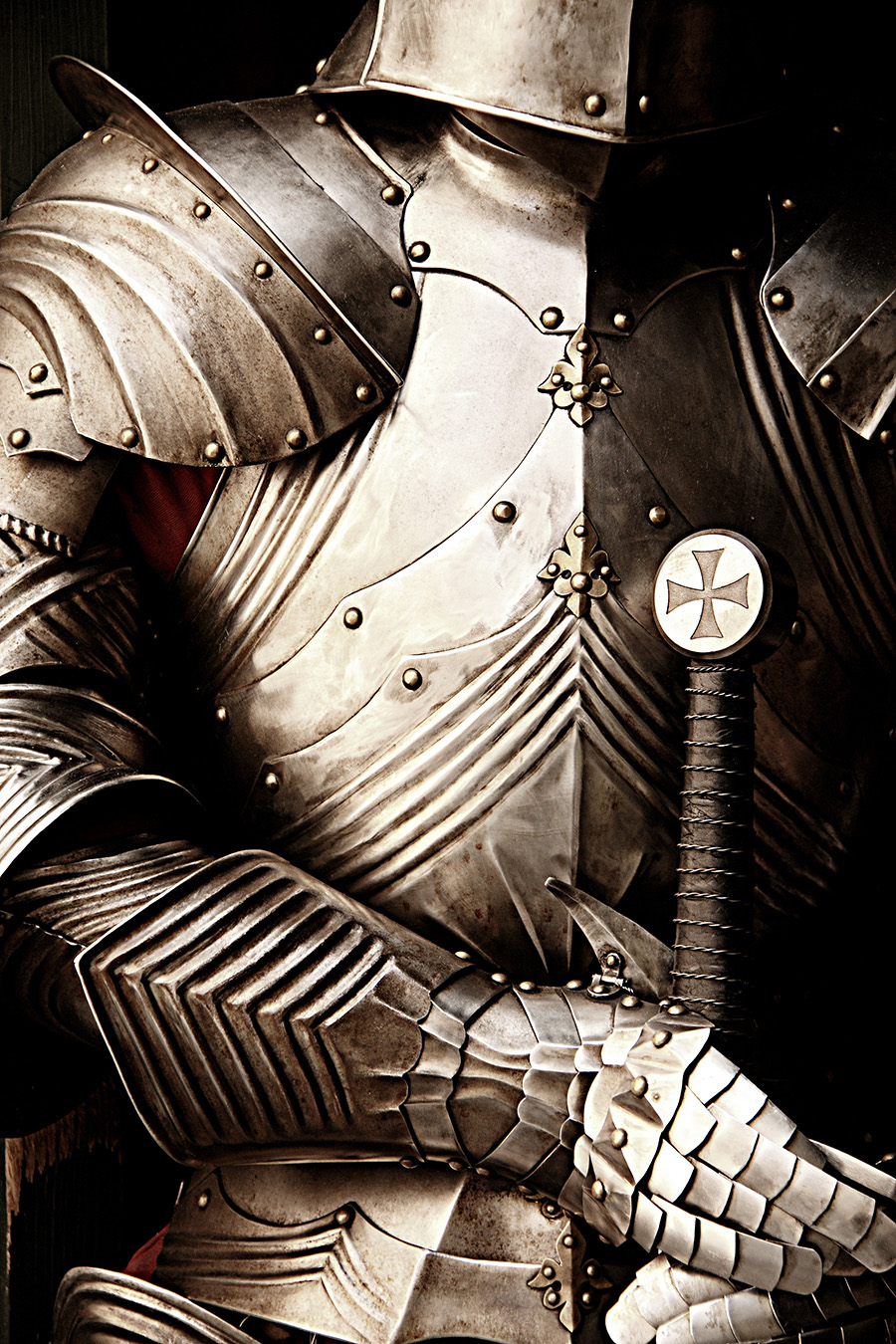 knight2_sm.jpg