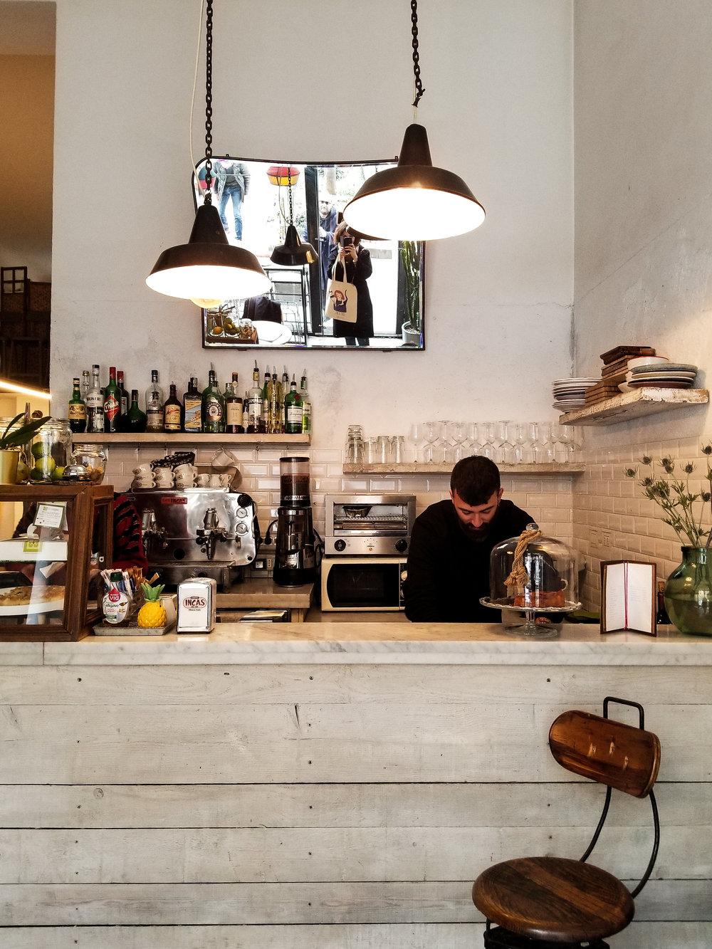 Atelier+Mave+-+Pause+Cafe+Milano.jpg