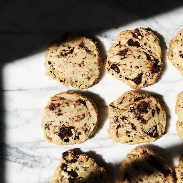 10 outta 10 〰 @alisoneroman's chocolate chip cookie recipe 🍪