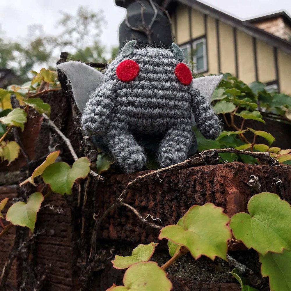 Mats Applesauce Shop   Small and medium crochet animals, fantasy creations, and drag queens