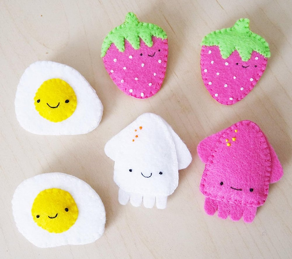 Kari Lee Art   Clay and felt brooches, jewelry, accessories, small gifts, collectibles