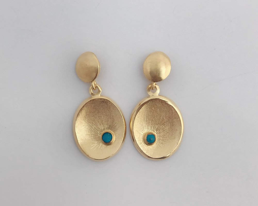 Dot Dish Earring, Gold Plate, Turquoise