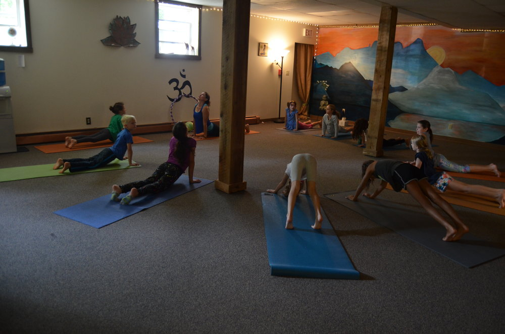 kids art & yoga.jpg