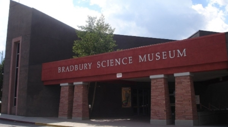 The bradbury museum in los alamos